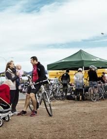 podwójna przyczepka rowerowa dla dziecka - zielona